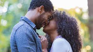Kissing importance in relationship