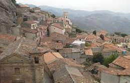 Relocate to calabria and get paid